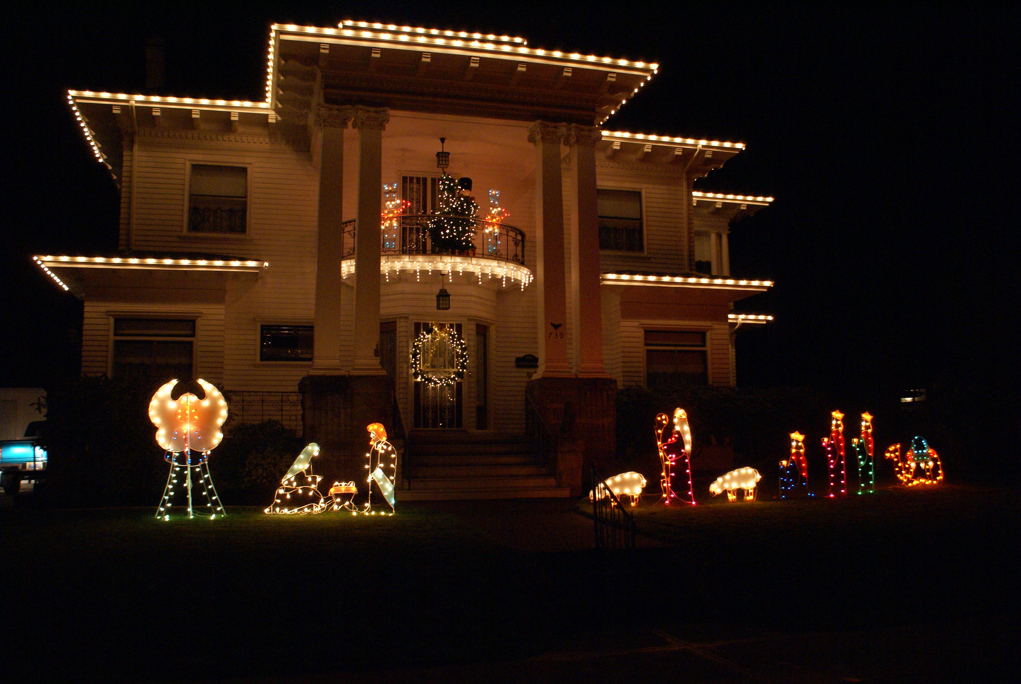 the albany visitors association is helping to make the holiday season bright by sponsoring the 30th annual night time magic holiday light program