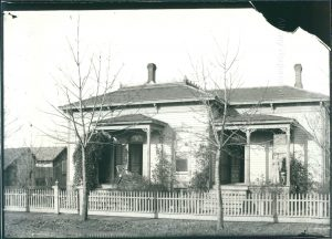 Vintage photo of a historic home in Albany Oregon circa 1920