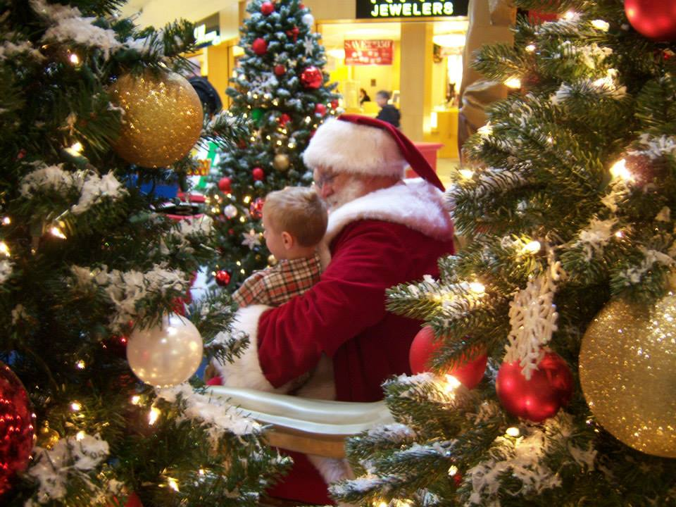 Photo Santa and child.
