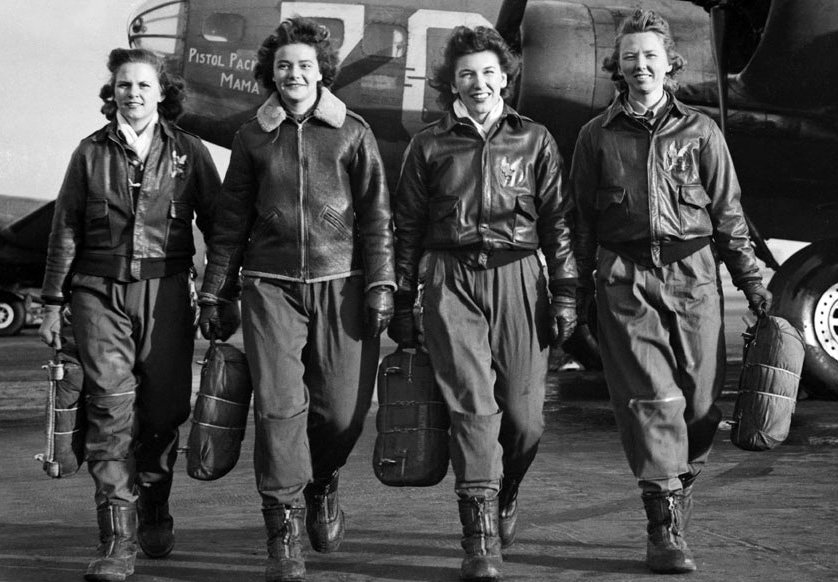 Historic photo of WW II women pilots.