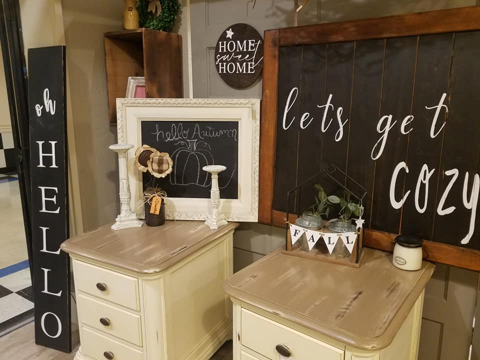 Photo of home decor items, Country Roost, Albany, OR