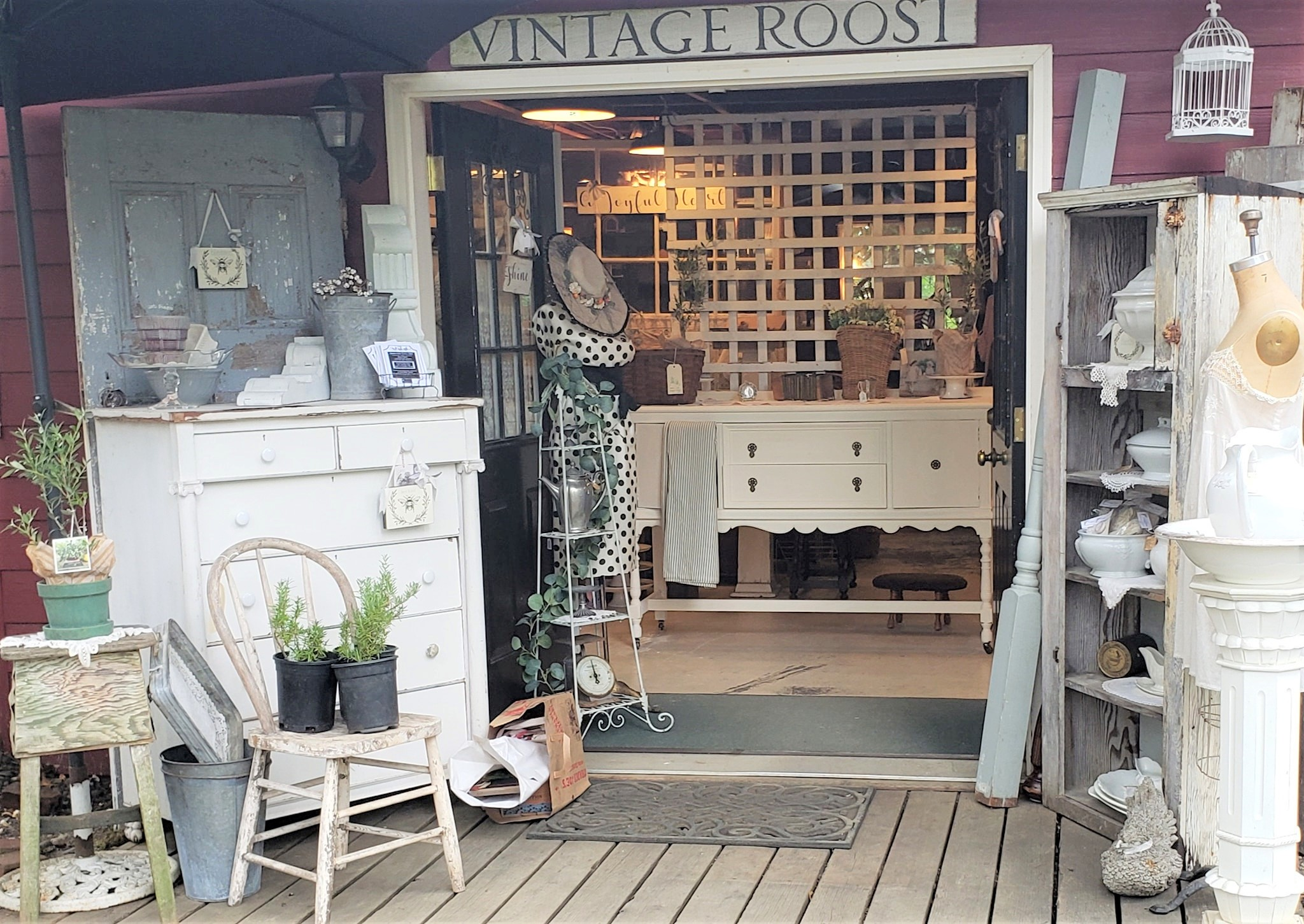 Photo of antiques and gifts